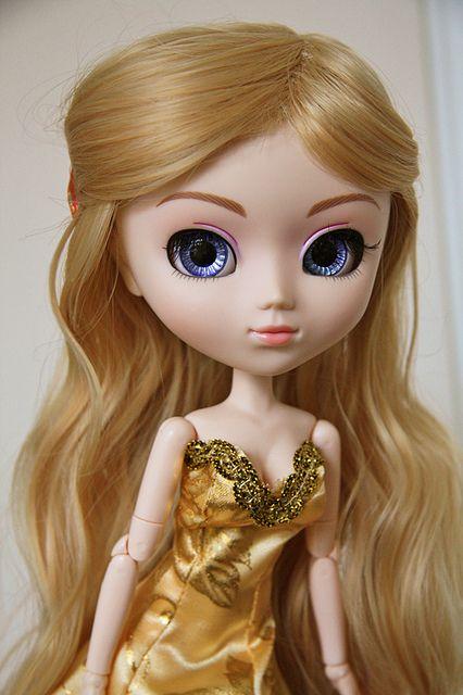 Golden Girl by ~hera~, via Flickr