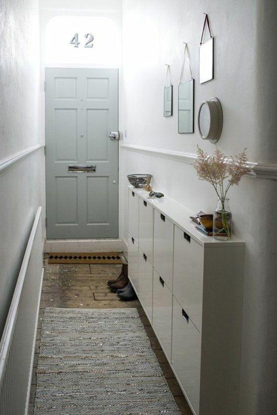 flur gestalten kleine wohnung einrichten tipps flur garderobe. Black Bedroom Furniture Sets. Home Design Ideas