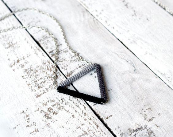 Dreieck Halskette minimalistisch geometrische von vanessahandmade