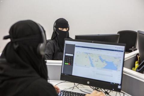 وظائف خدمة عملاء للنساء في جدة راتب 7500 ممثلة خدمة عملاء اجادة العربية و الانجليزية مهارات الاتصال و خدمة العملاء م Computer Monitor Monitor Electronics