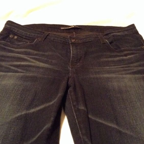 Big Star 1974 jeans Big Star 1974 Kate straight leg. Absolutely gorgeous jeans. Super comfortable and nice dark wash. Very flattering! 30 to 31 inch inseam. Size 32R Big Star Jeans Straight Leg