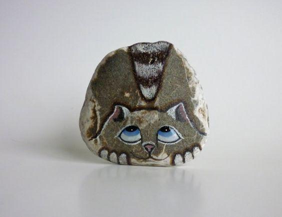 Medium+Hand+Painted+River+Rock+Cat+Petrified+Cat+by+qvistdesign