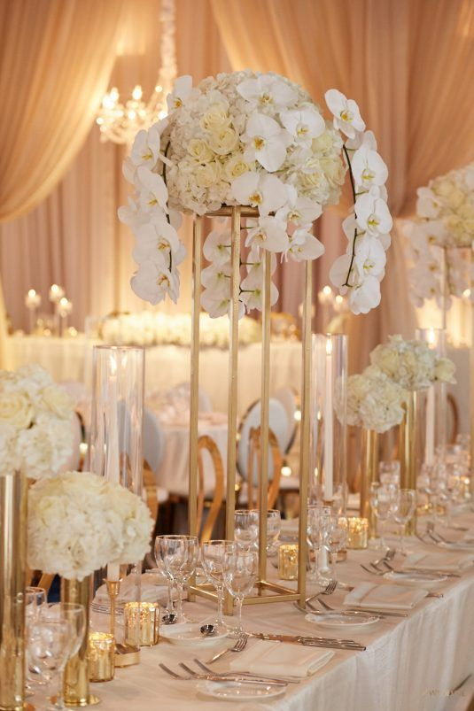An Elegant White And Gold Wedding Yes Please Wedluxe Magazine Gold Wedding Decorations Gold Wedding Centerpieces Wedding Decor Elegant