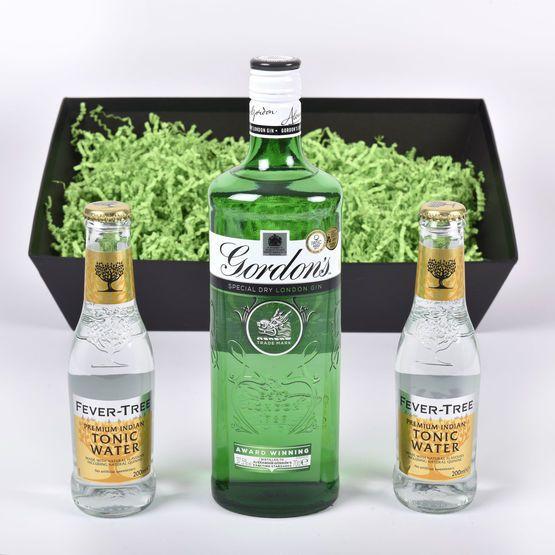 Classic Gordons Gin Tonic Gift Set Hamper In 2020 Gin Tonic