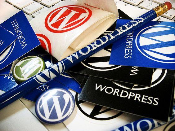 Ayer me llegó un paquete de Wordpress, y justo que con Noel estabamos pelandolo el dia anterior acerca de ciertas clases de CSS bizarra que incluye, por eso voy a regalar todo lo que mandaron a los que posteen aca.  Bah, posta si quieren stickers post #wordpress
