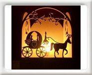 Lampe à poser en bois carrosse marié