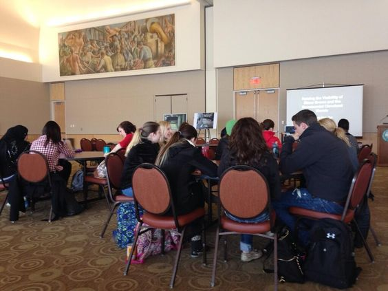 The room is filling for Wendy's talk about the Elmer Brown murals @engagecsu for #AfricanAmerican #history month pic.twitter.com/C2juAcC7H4