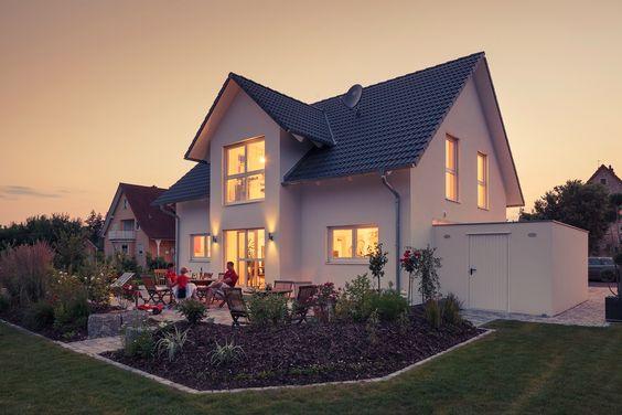 """Unser Kundenhaus """"Landhaus 150"""" mit den besten drei Familienhäusern beim """"Deutschen Traumhauspreis"""" 2014"""