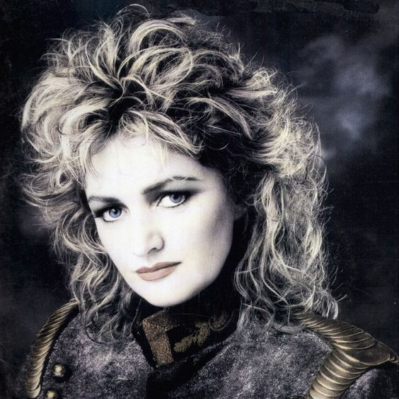 Bonnie Tyler – Total Eclipse of the Heart (single cover art)