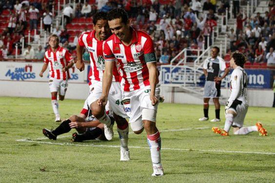 Deportivoros: Necaxa 3-1 Lobos BUAP: Electrizante y 'caliente' triunfo rojiblanco http://deportivoros.blogspot.com/2012/07/necaxa-3-1-lobos-buap-electrizante-y.html