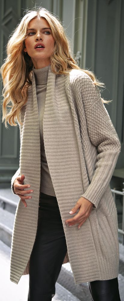 ♔ Black and Beige Knit Cardigan:
