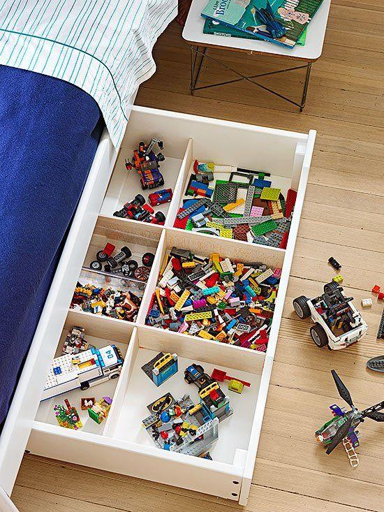 kinderbed met lades om speelgoed en LEGO op te bergen