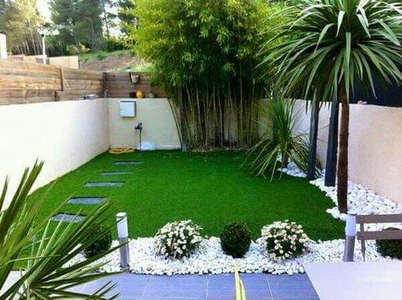 Pasto piedrin palmeras jardines y patios pinterest - Fotos de jardines decorados ...