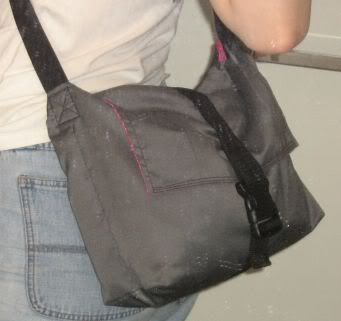 TUTORIAL: messenger bag with zippered divider (many pics) - PURSES, BAGS, WALLETS