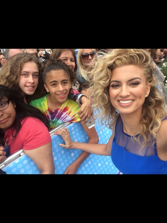 Met tori at the RDMAs 2015