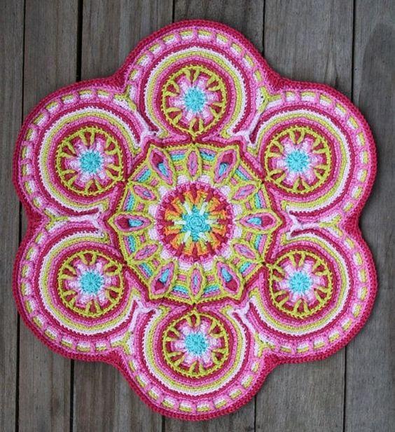 overlay crochet mandala by Lindevrouw
