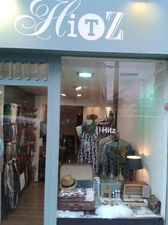 Decoracion tienda de ropa vintage for Complementos de decoracion