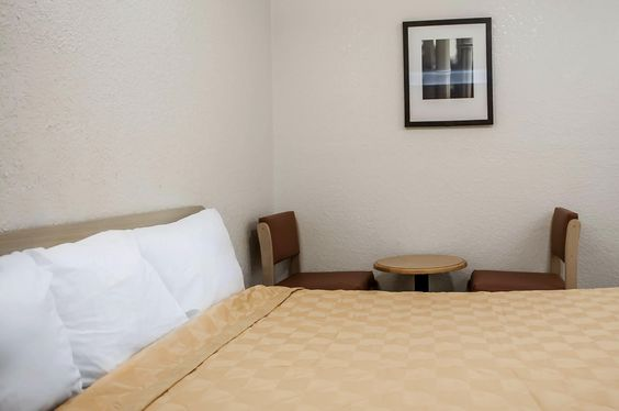 Guest room with work space | Rodeway Inn | Albuquerque, NM