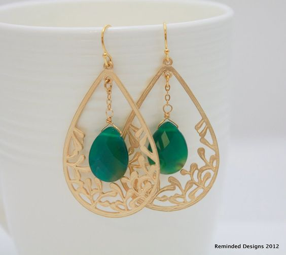 Classic - Detailed Gold hoop dangle earrings with green agate gemstone stone.