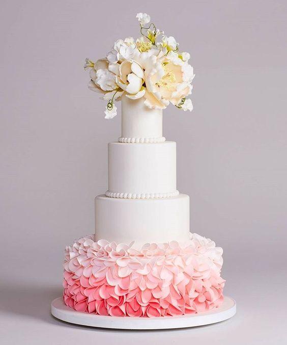 Cake by Bottega Louie