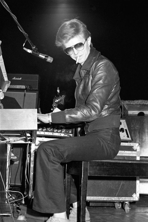 When David Bowie played keyboard for his friend Iggy Pop