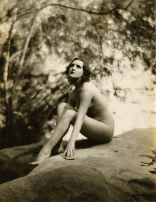 booty-vintage-classik-women-akt-long-thai-sex
