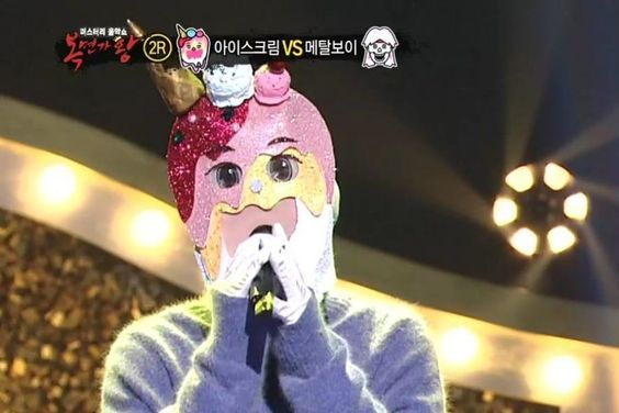 """Band Leader Impresses With His Sweet Voice On """"The King Of Mask Singer"""""""