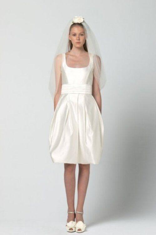 Atemberaubende Kurze Brautkleider Und Zweiteiler Fur Ihre Hochzeit Brautkleid Knielang Brautkleid Kurz Kleid Hochzeit