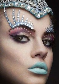 Bejeweled eye makeup for a citizen of District One.    #district 1 #hunger games #hunger games fashion #eye makeup