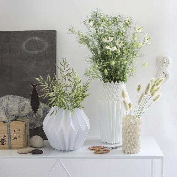 cr er des vases en origami origami bricolage et vases. Black Bedroom Furniture Sets. Home Design Ideas