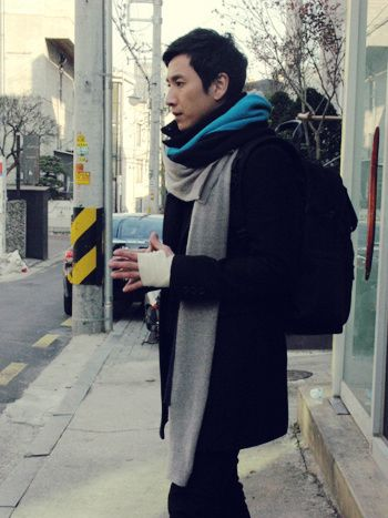 Lee Sun Kyun. I just really like him in scarves... I blame Pasta.