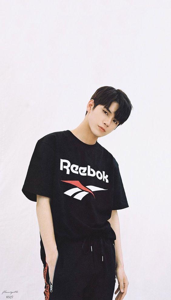 Wanna One x Reebok Wallpaper