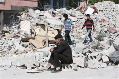 November 12 – A 7.2-magnitude earthquake strikes Duzce and northwestern Turkey, killing 845 and injuring 4,948.