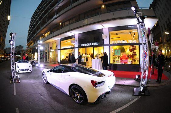 Poltrona Frau und Ferrari Maserati Keusch zu einem Abend ganz im Zeichen des Dolce Vita ein. Poltrona Frau, seines Zeichens der Maßschneider der noblen italienischen Automobilschmieden Ferrari & Maserati, sorgt seit Jahrzehnten für das feine Interieur der Boliden.
