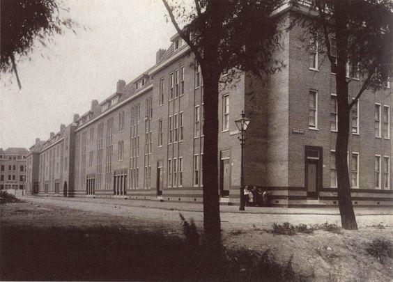 (1918-1919) Spangen municipal housing (block 4) - J.J.P. Oud (1924)