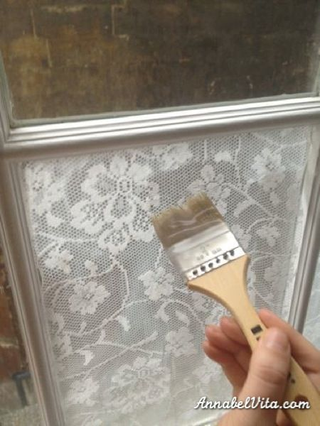 How to apply lace to windows for privacy ! Annabel Vita on Remodelaholic