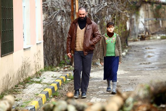 Young Narin with her father #badnaseeb #urduonetv
