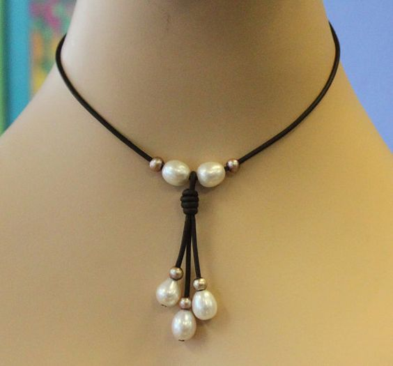 Beliebt Leather and freshwater pearl necklace - best price, huge pearls  QL74