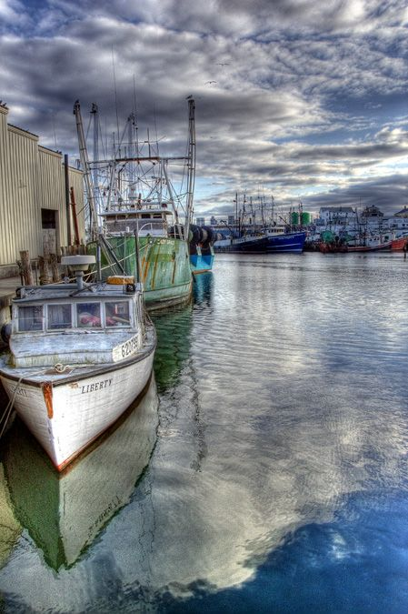 Gloucester fishing boats and fishing on pinterest for Gloucester ma fishing