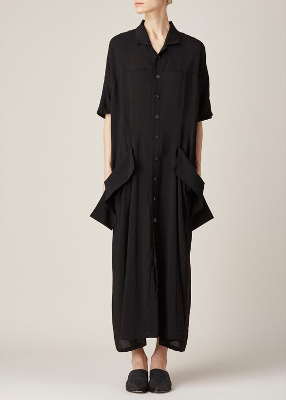 Contemporary Fashion - black shirt dress with oversized pockets // Yohji Yamamoto