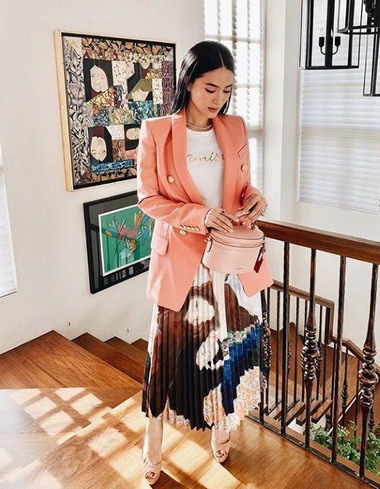 Living Coral: Πάρε ιδέες από τα street styles και φόρεσε το must χρώμα του 2019 σύμφωνα με την Pantone - TLIFE