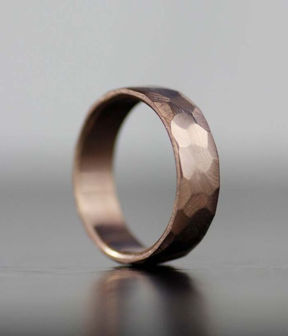 Faceted rustic rose gold wedding band from lolide via etsy. #weddingband #groomsring