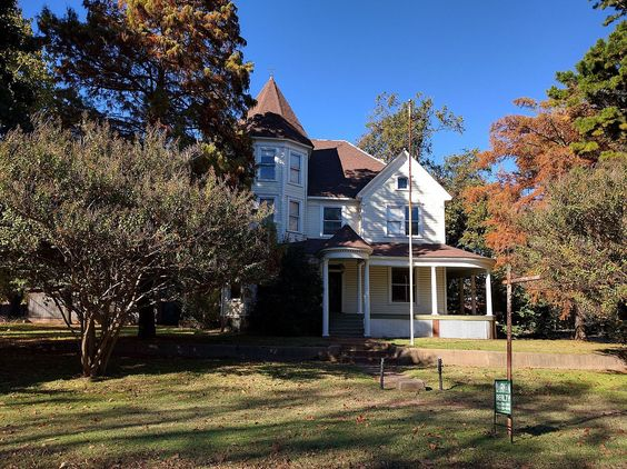 Moore-Settle House in Garvin County, Oklahoma.
