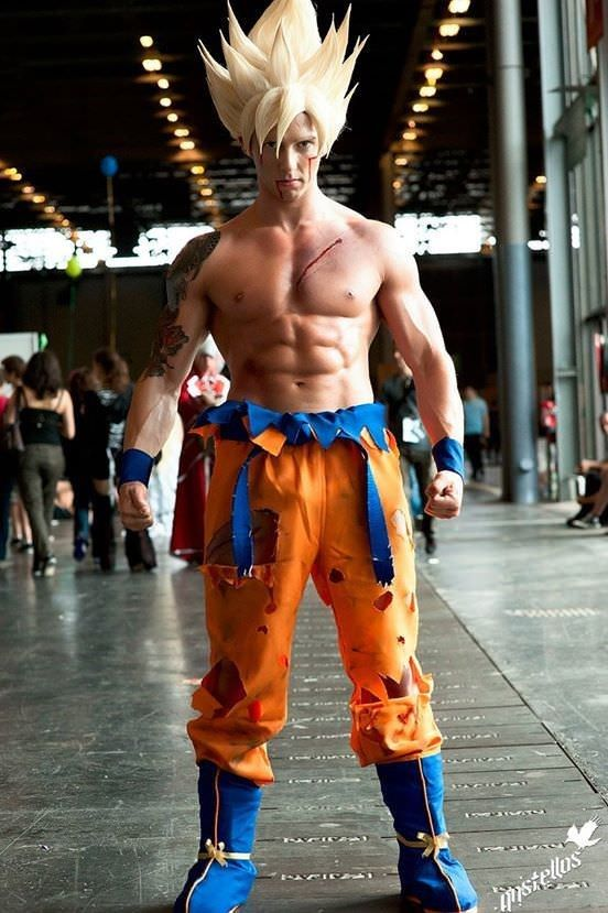70 Epic Cosplays That Ll Stun You With Brilliance Dbz Cosplay Cosplay Characters Cosplay