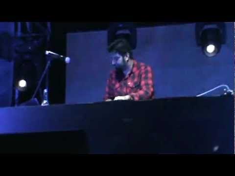 Chino Moreno's DJ set - 2012 - EPIC!! <3