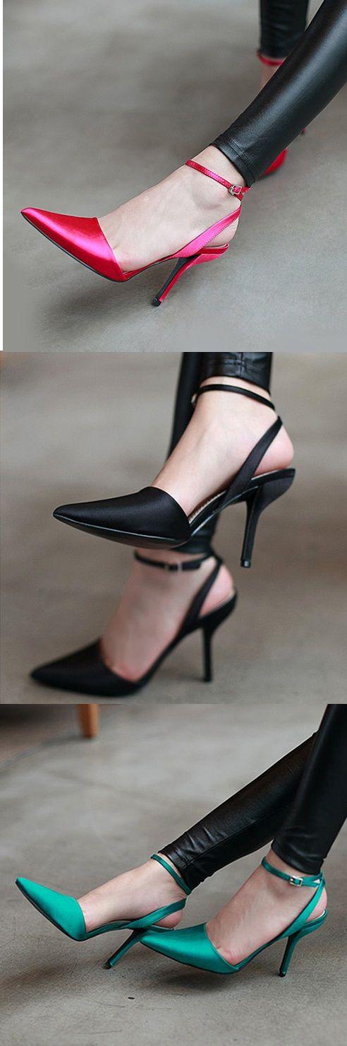 ¿Qué te parecen estas #zapatillas con tacon de #aguja? Encuéntralos en nuestro sitio.