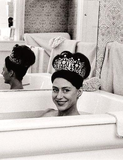 Princess Margaret wearing her favorite tiara in the tub (photo taken by Lord Snowdon, her husband).
