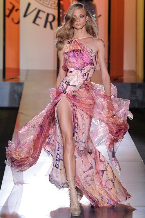 Anna Selezneva at Atelier Versace Fall 2012