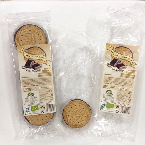 ¡Dios mío! ¡Esto es lo que sucede a veces cuando me pongo a probar nuevos productos! ¡Menuda tentación! #alimentaciónsaludable #galletasdeespeltaychocolate #galletasintegrales #herbolario