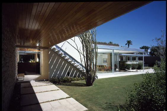 AD Classics: Kaufmann House:
